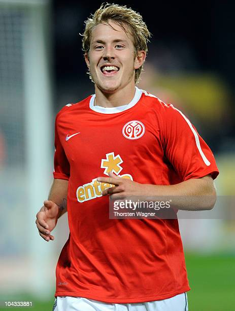 Lewis Holtby of Mainz celebrates after scoring his second goal during the Bundesliga match between FSV Mainz 05 and 1FC Koeln at Bruchweg Stadium on...