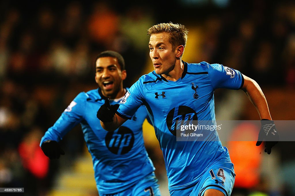 Lewis Holtby (R) of Tottenham Hotspur celebrates scoring the winning goal during the Barclays Premier League match between Fulham and Tottenham Hotspur at Craven Cottage on December 4, 2013 in London, England.