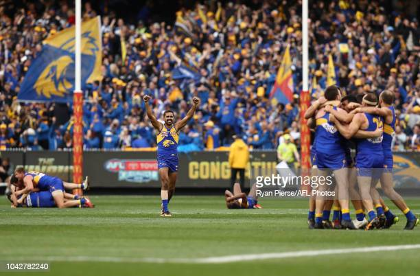 Lewis Jetta of the Eagles celebrates victory on the siren during the 2018 AFL Grand Final match between the Collingwood Magpies and the West Coast...