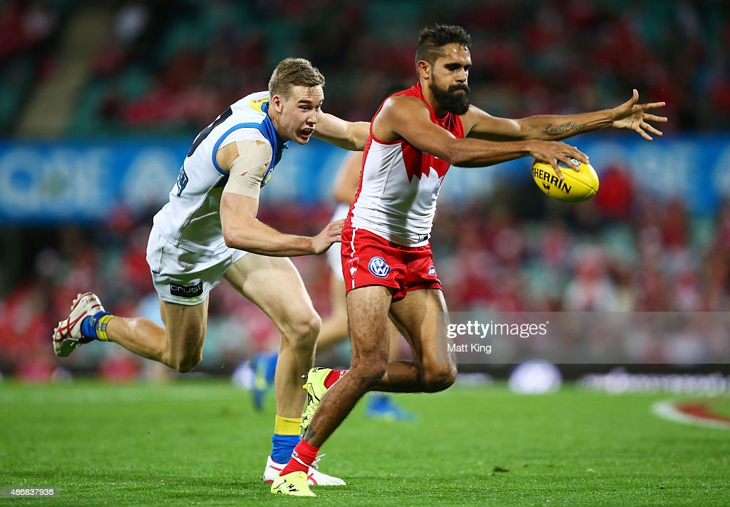 AFL Rd 23 - Sydney v Gold Coast : News Photo