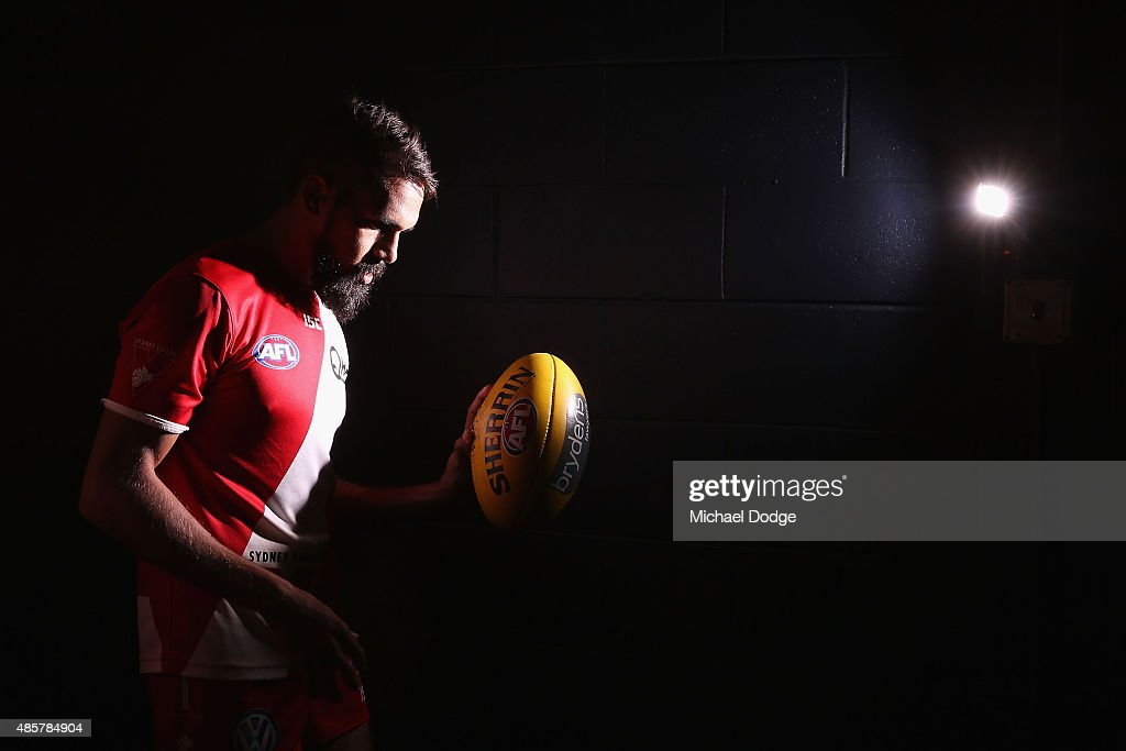 Lewis Jetta of the Swans walks out for warm up during the round 22 AFL match between the St Kilda Saints and the Sydney Swans at Etihad Stadium on August 30, 2015 in Melbourne, Australia.
