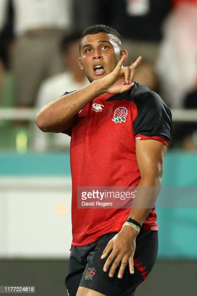 Lewis Ludlam of England celebrates after scoring his sides sixth try during the Rugby World Cup 2019 Group C game between England and USA at Kobe...