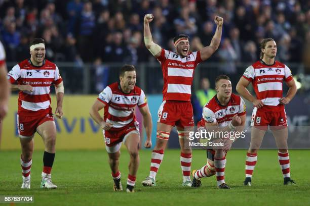 Lewis Ludlow and Gloucester team mates celebrates Owen Williams' winning try conversion and victory by 2221 during the Aviva Premiership match...