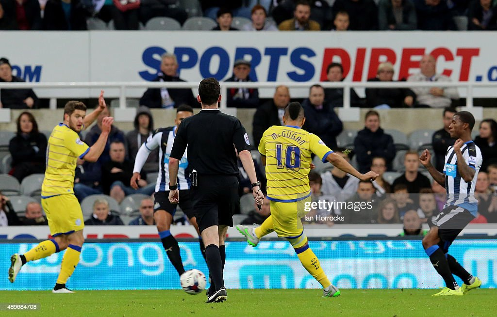 Lewis McGugan of Sheffield Wednesday (#10) scores the opening goal during the Capital One Cup third round match between Newcastle United and Sheffield Wednesday at St James' Park on September 23, 2015 in Newcastle upon Tyne, England.