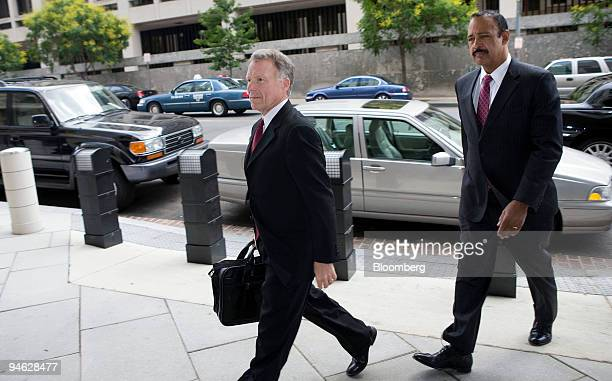 Lewis ``Scooter'' Libby left a former aide to Vice President Dick Cheney and his attorney Ted Wells arrive at Federal Court for a hearing to consider...
