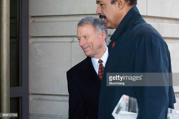 I Lewis Scooter Libby left former chief of staff for Vice President Dick Cheney arrives with attorney Ted Wells right at US District Court in...