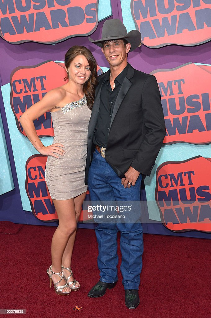 2014 CMT Music Awards - Arrivals : News Photo