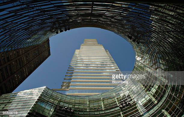 Lexington Avenue home to the world headquarters of Bloomberg LP is pictured in New York Wednesday March 22 2006