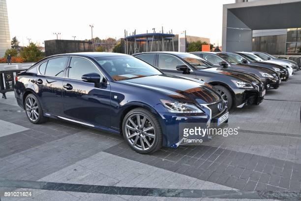 Lexus GS300h vehículos en el aparcamiento
