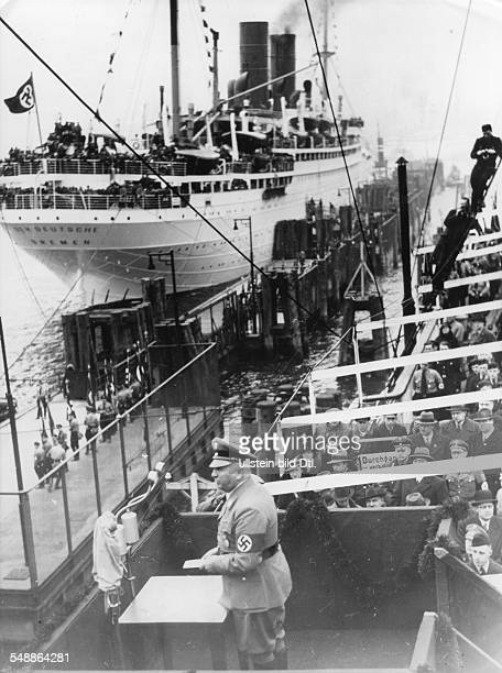 Ley, Robert - Politician, NSDAP, Germany *1890-1945+ KdF-ships leaving for Madeira - speech of KdF leader Robrt ley - - Photographer:...