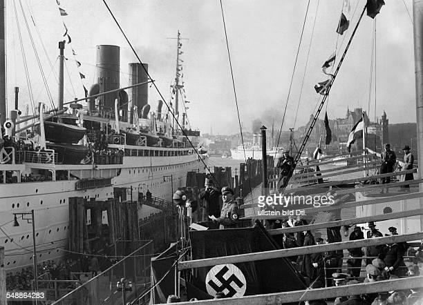 Ley Robert Politician NSDAP Germany *18901945 KdFships leaving for Madeira speech of KdF leader Robrt ley Photographer PresseIllustrationen Heinrich...