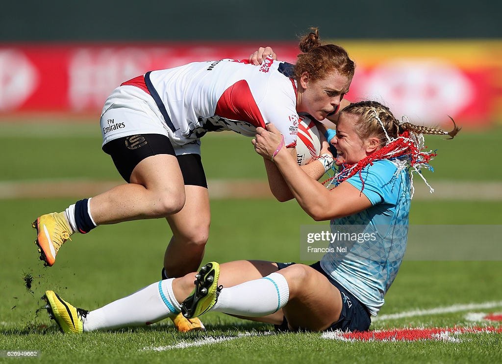 Leyla Alev Kelter of USA is tackled by Elena Mikhaltsova of Russia during day one of the Emirates Dubai Rugby Sevens - HSBC World Rugby Women's Sevens Series on December 1, 2016 in Dubai, United Arab Emirates.