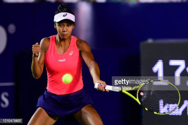 Leylah Fernandez of Canada returns the ball during the round of 16 between Sloane Stephens of USA and Leylah Fernandez of Canada on March 4, at GNP...
