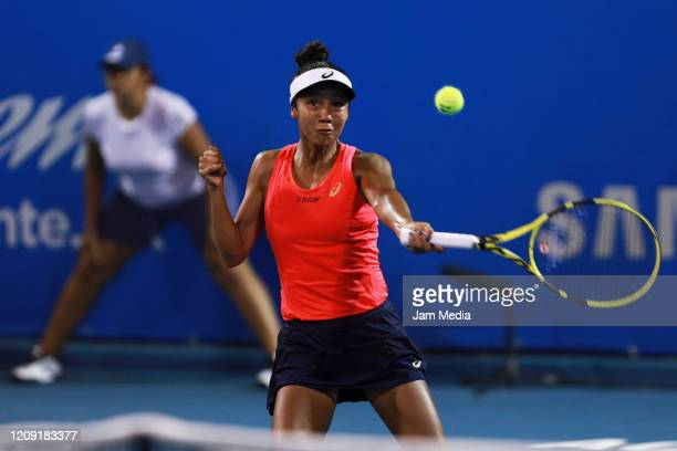 Leylah Fernandez of Canada returns the ball during the singles match between Anastasia Potatova of Russia and Leylah Fernandez of Canada as part of...