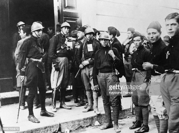Légionnaires fascistes venus de tous les coins d'Italie photographiés à Rome Italie en octobre 1922