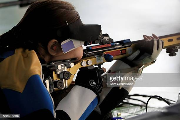 Li Du of China competes in the 50m Rifle 3 Position qualifying match on Day 6 of the Rio 2016 Olympics at the Olympic Shooting Centre on August 11,...