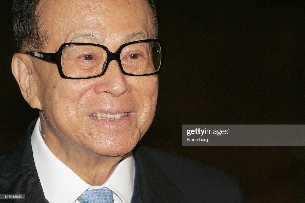 Li Says Plan For Yuan Hong Kong IPO Progressing Well