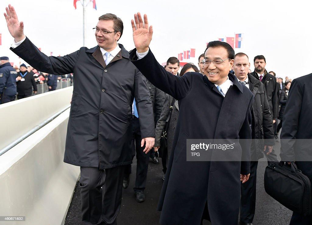 Li Keqiang and Aleksandar Vucic : News Photo