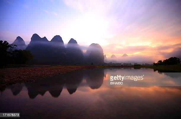 li river at dusk