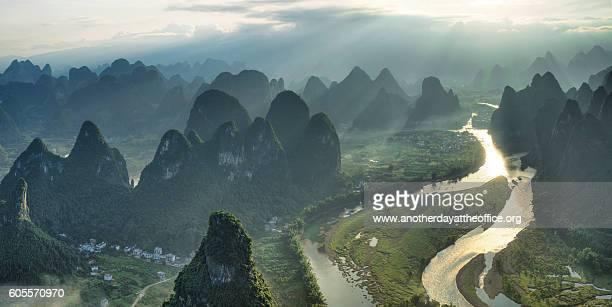 li river xingping - provinz yunnan stock-fotos und bilder