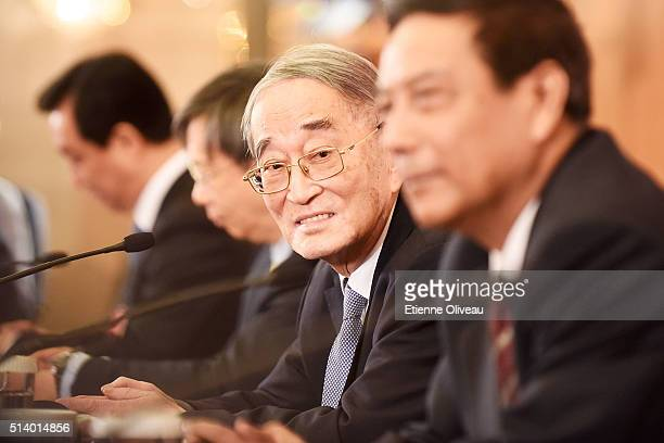 Li Yining Standing Committee Member of the 12th CPPCC National Committee Former Vice Chairman of the Central Committee of the China Democratic League...