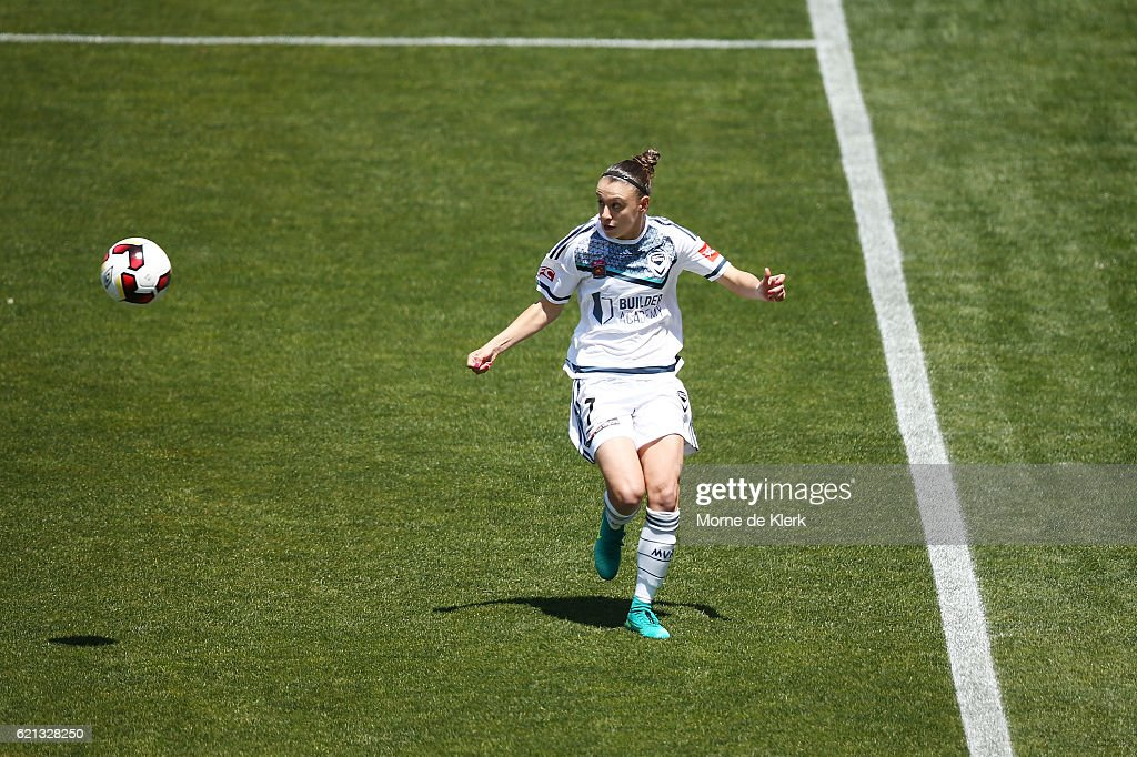 W-League Rd 1 - Adelaide v Melbourne : News Photo
