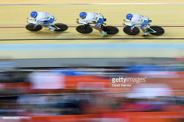 Liam Bertazzo Filippo Ganna and Francesco Lamon of Italy compete in the Men's Team Pursuit qualifying on Day 6 of the 2016 Rio Olympics at Rio...