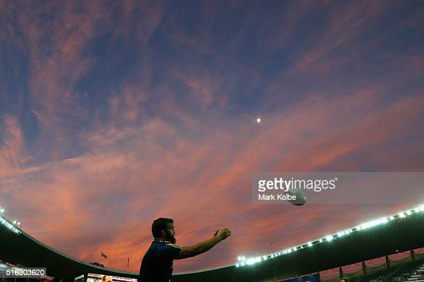 Liam Coltman of the Highlanders practices lineout throws as he warms up ahead of the Super Rugby match between the New South Wales Waratahs and the...