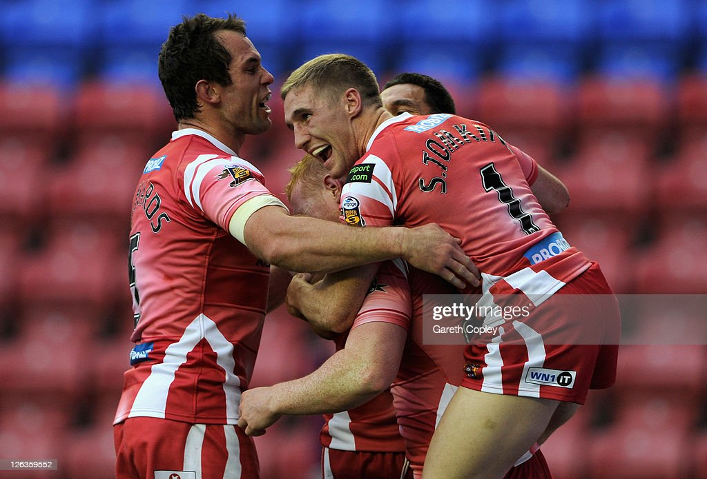 Wigan Warriors v Catalan Dragons - Engage Super League Play Offs : News Photo