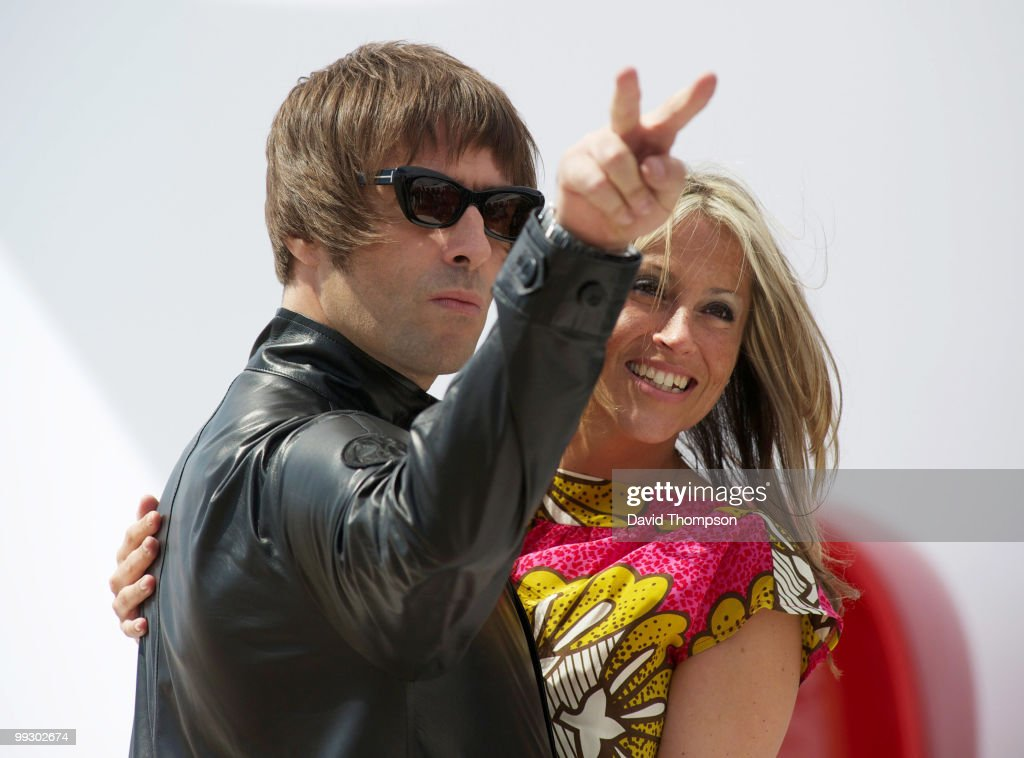 Liam Gallagher and Nicole Appelton attend a photocall on May 14, 2010 in Cannes, France.