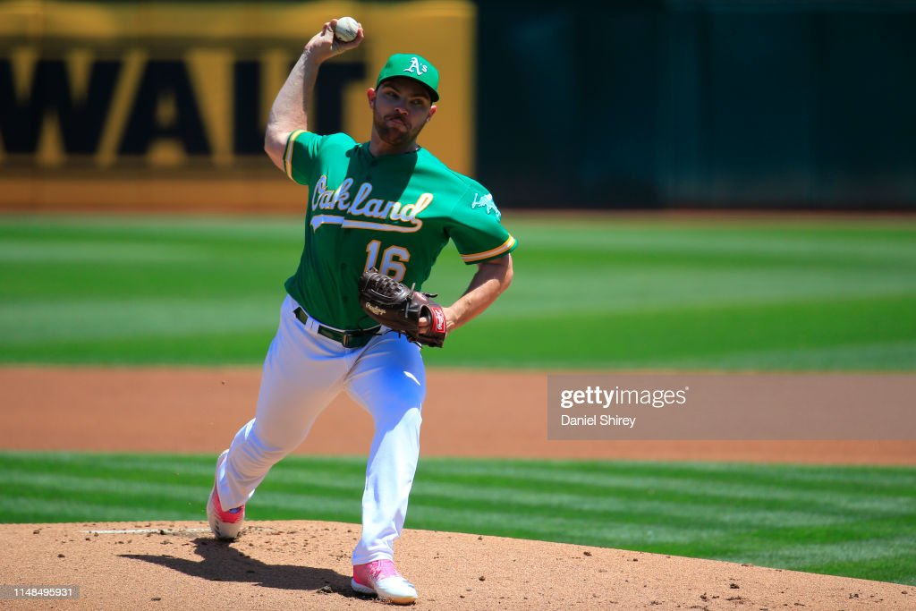 Cleveland Indians v Oakland Athletics : News Photo