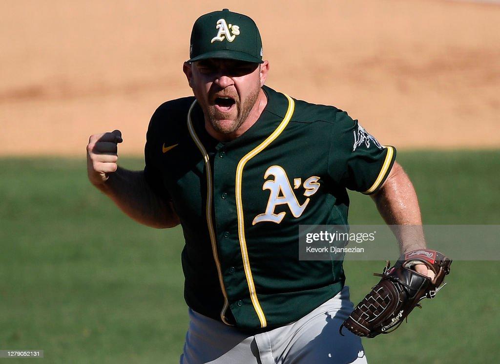 Division Series - Oakland Athletics v Houston Astros - Game Three : News Photo