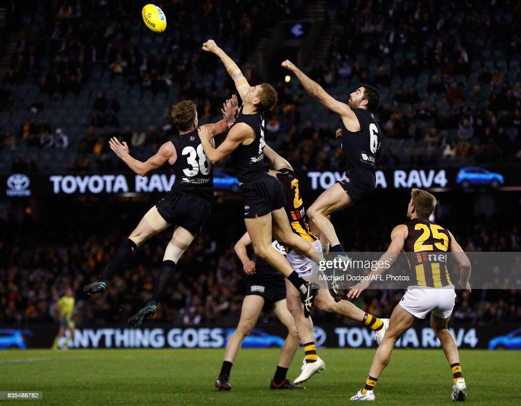 AFL Rd 22 - Carlton v Hawthorn : News Photo