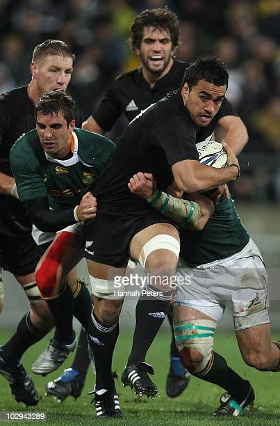 Liam Messam of the All Blacks makes a break during the TriNations match between the New Zealand All Blacks and South African Springboks at the...
