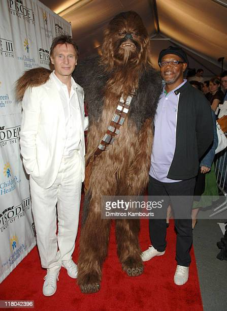 ¿Cuánto mide Ewan McGregor? - Real height Liam-neeson-and-samuel-l-jackson-during-star-wars-episode-iii-revenge-picture-id118042396?s=612x612