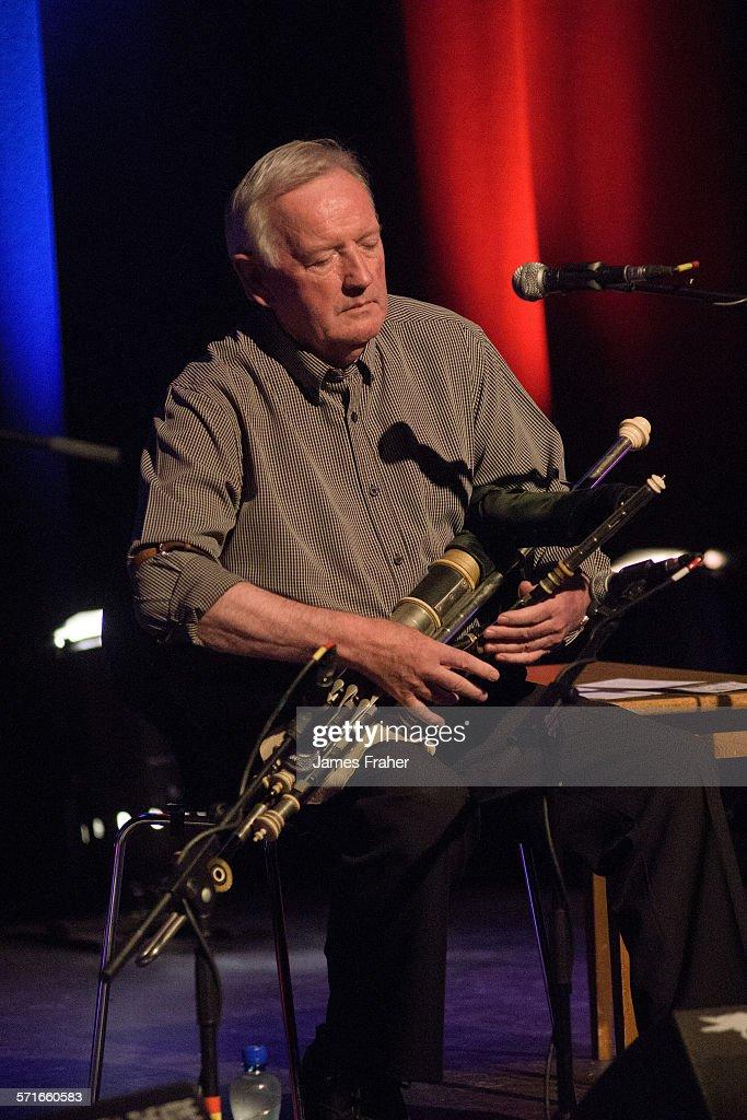 Liam O'Flynn Performs In Sligo : News Photo