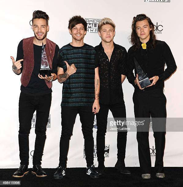 Liam Payne Louis Tomlinson Niall Horan and Harry Styles of One Direction pose in the press room at the 2015 American Music Awards at Microsoft...
