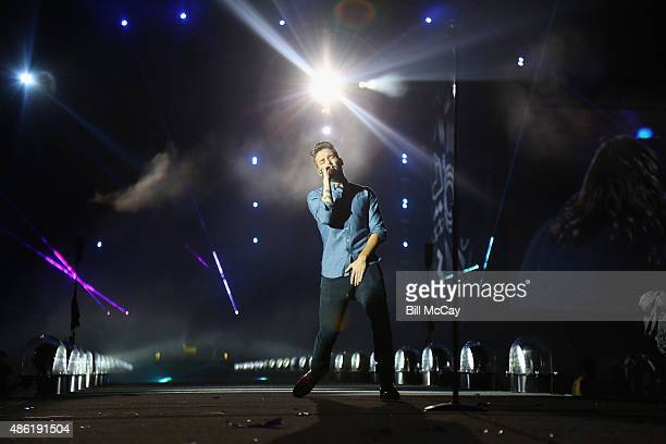 Liam Payne of the band One Direction performs at Lincoln Financial Field September 1, 2015 in Philadelphia, Pennsylvania.