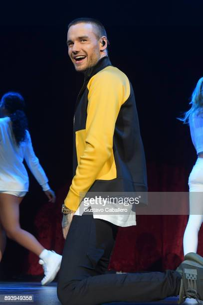 Liam Payne performs onstage during 933 FLZ's Jingle Ball 2017 at Amalie Arena on December 16 2017 in Tampa Florida