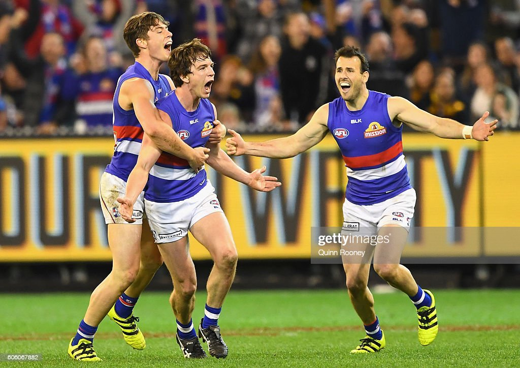 AFL 2nd Semi Final - Hawthorn v Western Bulldogs : News Photo