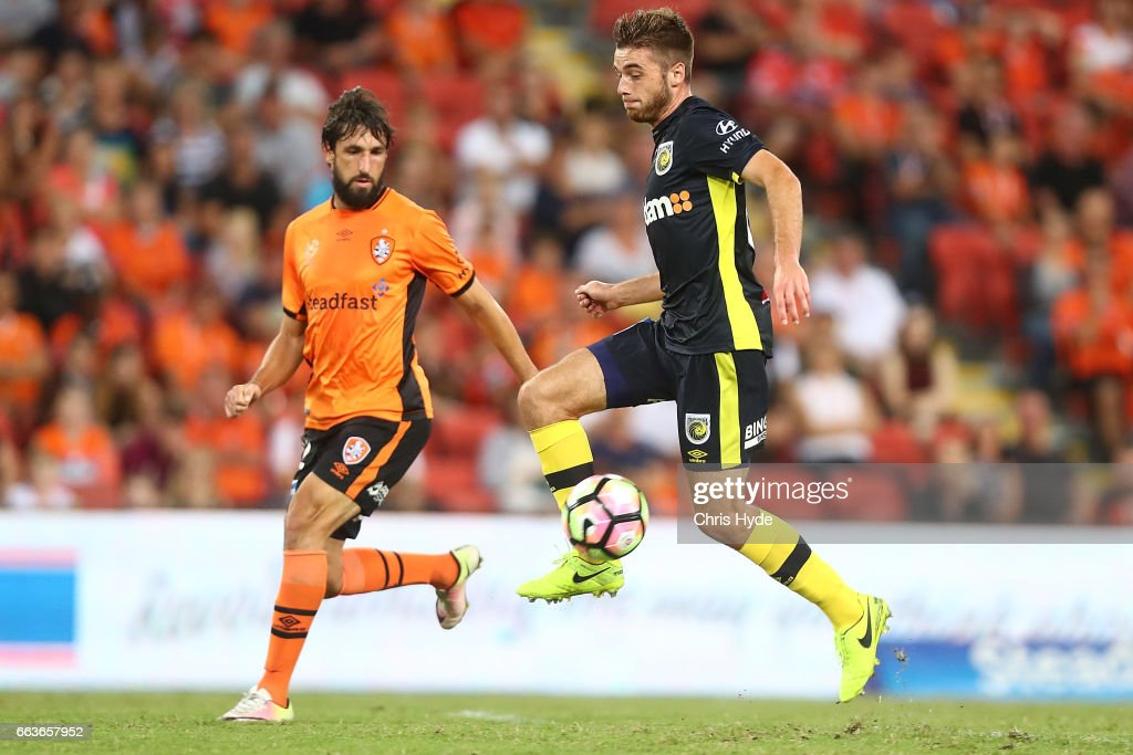 Liam Rose of the Mariners controls the ball during the round 25 A-League match between the Brisbane Roar and the Central Coast Mariners at Suncorp Stadium on April 2, 2017 in Brisbane, Australia.