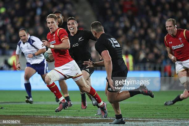 Liam Williams of Wales breaks away to score a try during the International Test match between the New Zealand All Blacks and Wales at Westpac Stadium...