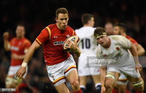 Liam Williams of Wales races through to score during the RBS Six Nations match between Wales and England at Principality Stadium on February 11 2017...