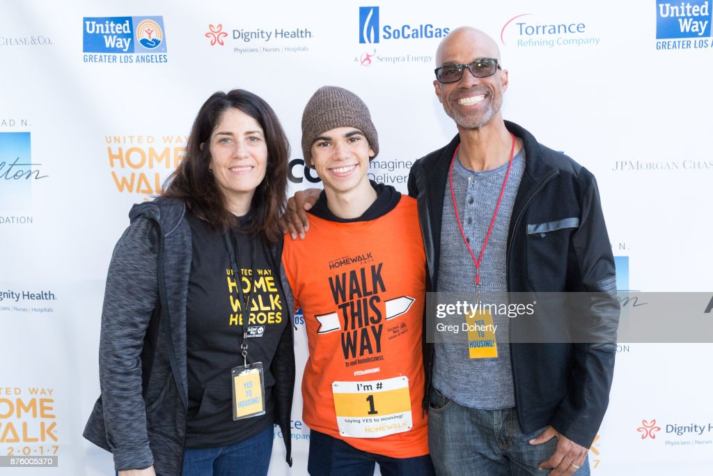 United Way Celebrates 11th Annual HomeWalk To End Homelessness IN L.A. County : News Photo
