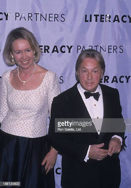 Libby Pataki and designer Arnold Scaasi attend A Gala Evening of Reading on May 14 2001 at the Vivian Beaumont Theater in New York City