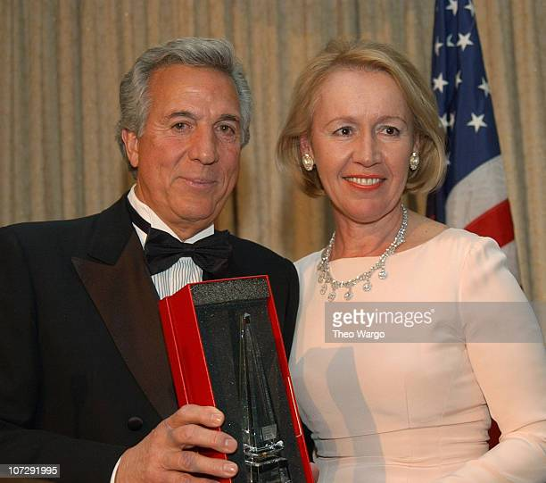 Libby Pataki with Humanitarian Award from The American Cancer Society