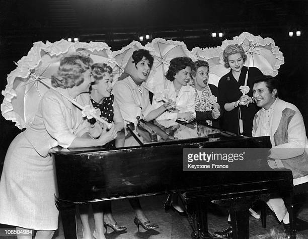 Liberace At The Piano With Vera LynnMarion RyanAlma CoganJanet ScottYana And Anne Shelton 1960