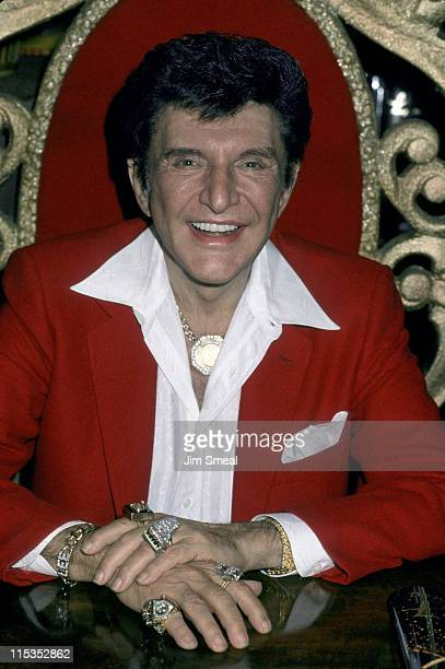 Liberace during Liberace signing book 'The Wonderful Private World of Liberace' at Hunter Books in Beverly Hills California United States