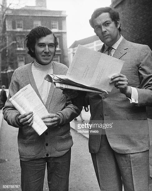 Liberal Party politicians Peter Hain and John Pardoe holding census forms as they attend a press conference for the Young Liberals Tudor Street...