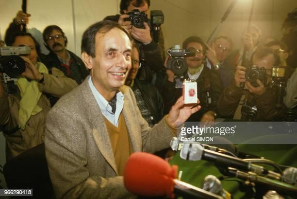 Liberation de Jacques Abouchar journaliste francais d'Antenne 2 detenu plus d'un mois en Afghanistan le 27 octobre 1984 a Paris France